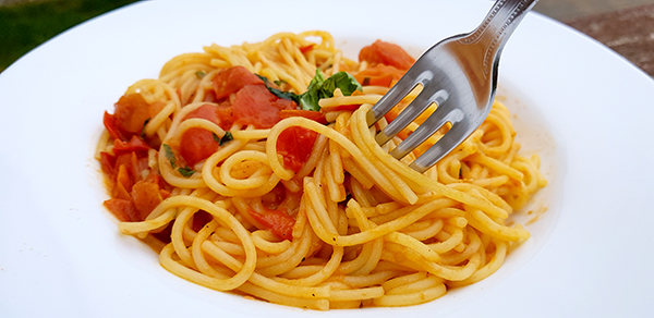 Cherry tomato, gluten-free pasta